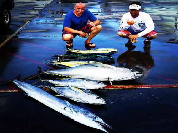Bite me sport fishing bite me 1 deep sea fishing hawaii for Kona deep sea fishing